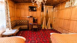 Kohinoor Room