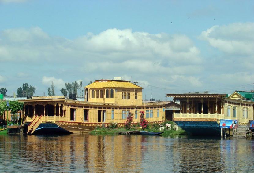 Facilities at Kolu Houseboats