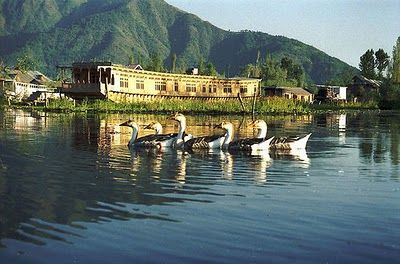Houseboats of Kashmir - Discount Rates, No Booking Fees