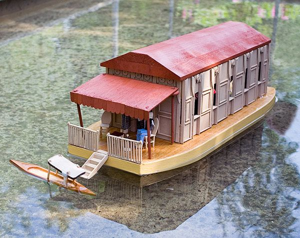 Imagine Your Night Stay at Kashmir Houseboats